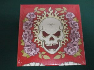 髑髏と薔薇:赤箱